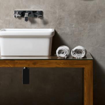 Модерна баня с ретро елементи